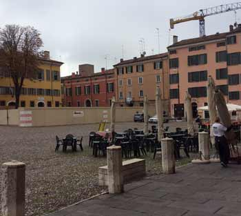 Mantova-Italy-Street-Cafe-